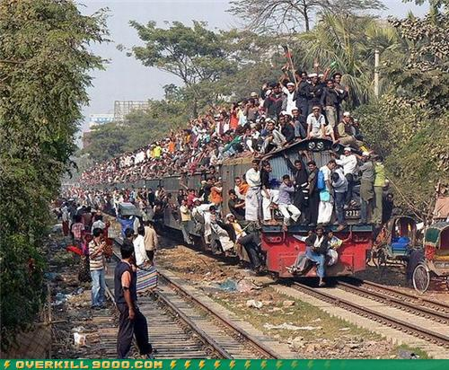 overcrowded-train